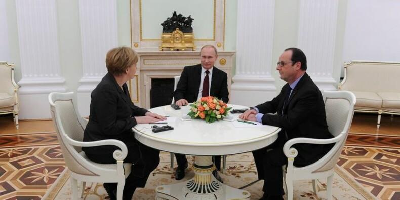 Hollande et Merkel quittent Moscou sans résultat concret