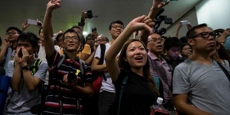 Début vendredi des discussions pouvoir-manifestants à Hong Kong