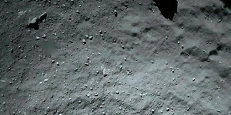 """Le robot Philae est posé à l'ombre d'une falaise sur """"Tchouri"""""""