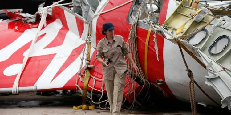 La famille du copilote français du vol d'Air Asia porte plainte
