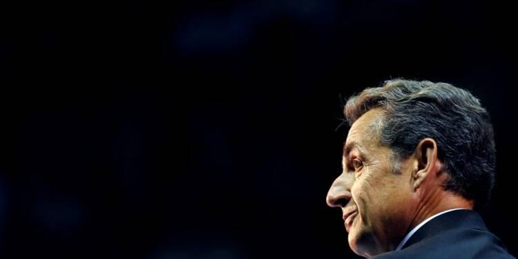 Sarkozy marque d'un geste financier le processus de paix à l'UMP