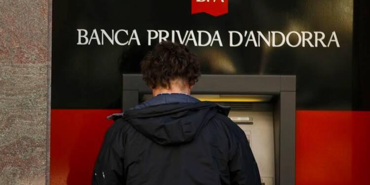 Une banque d'Andorre plafonne les retraits sur fond de scandale