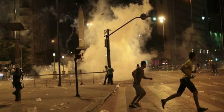 Nouvelles manifestations au Brésil malgré des concessions