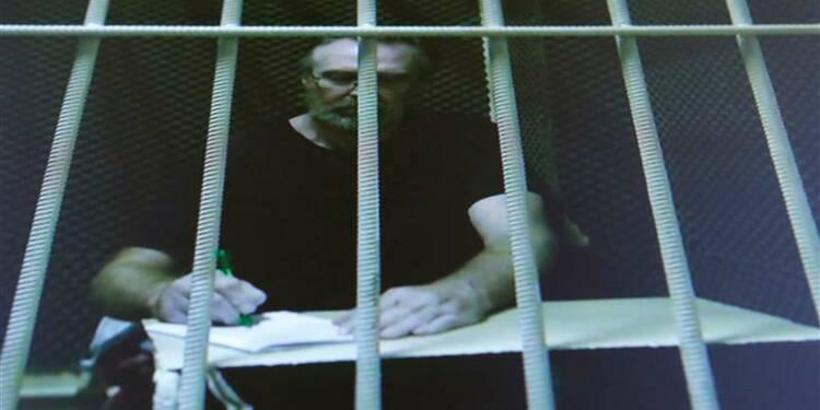 """Le dernier des """"30 de Greenpeace"""" libéré sous caution en Russie"""