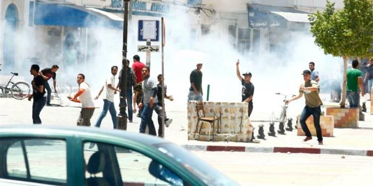 Affrontements entre policiers et salafistes en Tunisie
