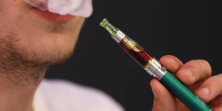 Marisol Touraine veut étendre l'interdiction de l'e-cigarette
