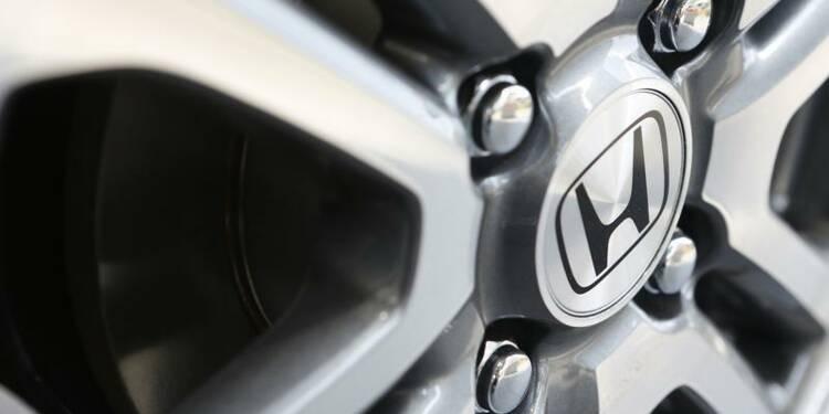 Honda dévoile une voiture à hydrogène, se dit optimiste à terme