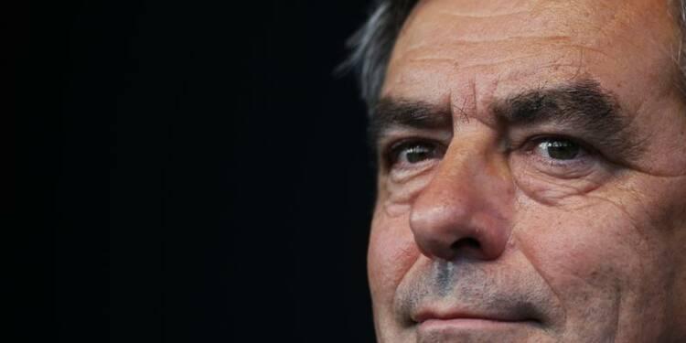 """Fillon veut sanctionner """"l'assommoir fiscal"""" aux municipales"""