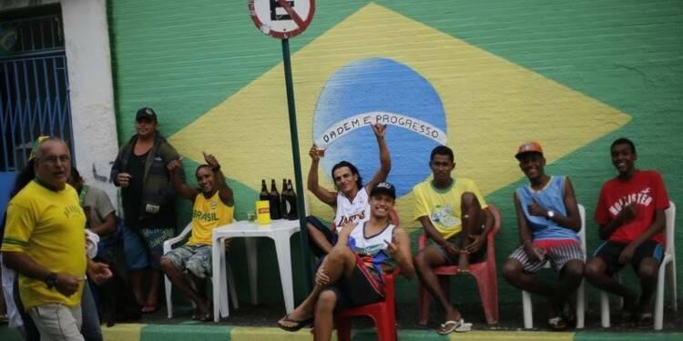 Joie dans les rues du Brésil après la victoire de la Seleçao
