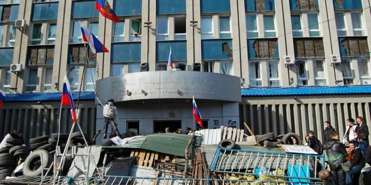 Les séparatistes érigent des barricades dans l'est de l'Ukraine