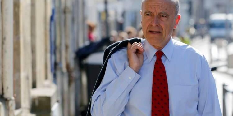 Juppé nie tout pacte avec Bayrou, qu'il rabroue poliment