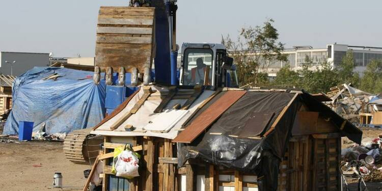Le gouvernement défend Manuel Valls sur les Roms