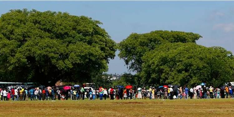 Dernier jour de ferveur autour du corps de Mandela à Pretoria