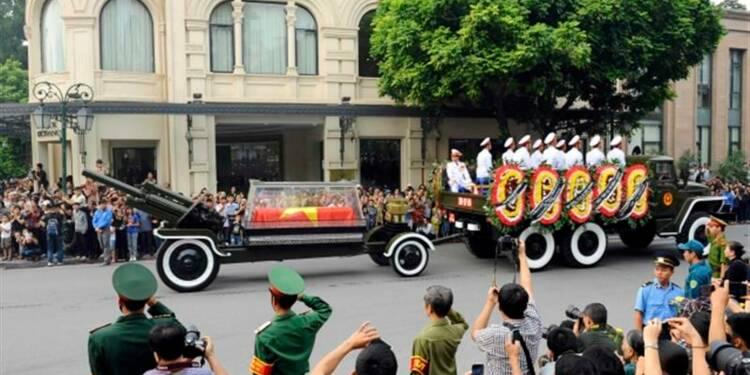 Le Viêtnam fait ses adieux au général Giap