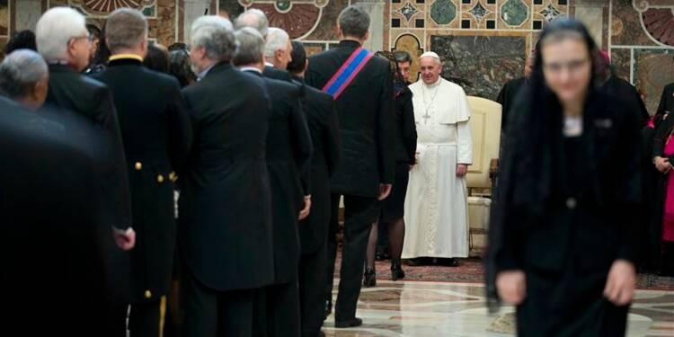 Le pape prône de nouveaux efforts pour résoudre le conflit syrien