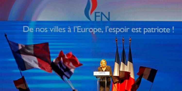 Marine Le Pen veut placer le FN au centre du jeu politique