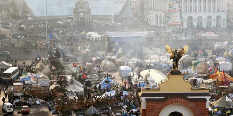 Fabius parle d'avancées en Ukraine mais appelle à la prudence