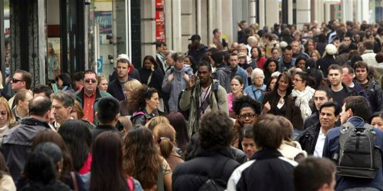 La popularité de Hollande en légère hausse, selon OpinionWay