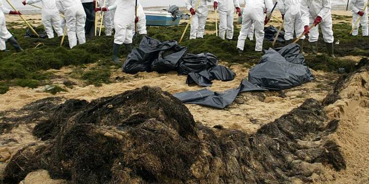 L'Etat français dépose un recours sur la marée noire du Prestige