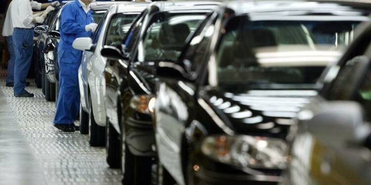 General Motors attend une petite hausse des bénéfices en 2014