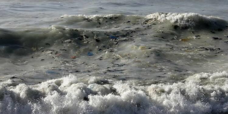 Des déchets humains présents en masse au fond des océans