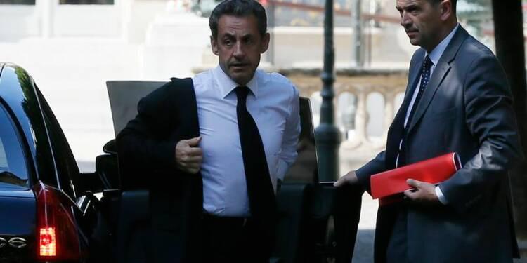 Sarkozy maintient le suspense sur un éventuel retour