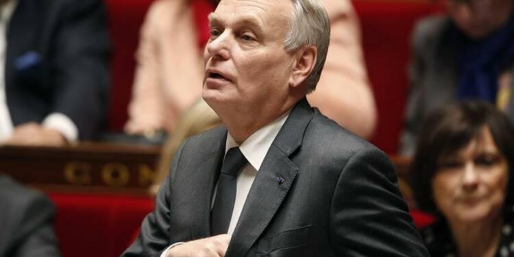 Ayrault promet de mieux associer les députés PS aux décisions