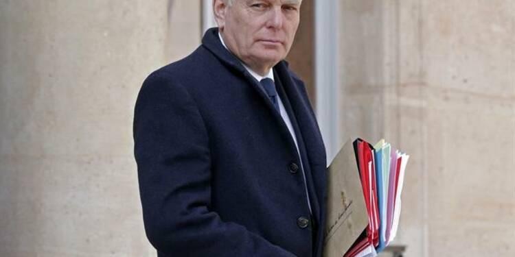 Ayrault demande la dissolution d'un groupe d'extrême droite