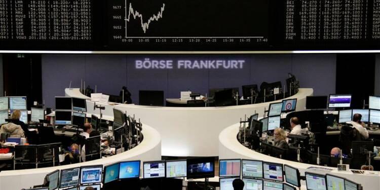 Les Bourses européennes restent stables à la mi-séance