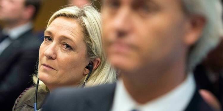 Le Pen veut regrouper les anti-euro au Parlement européen