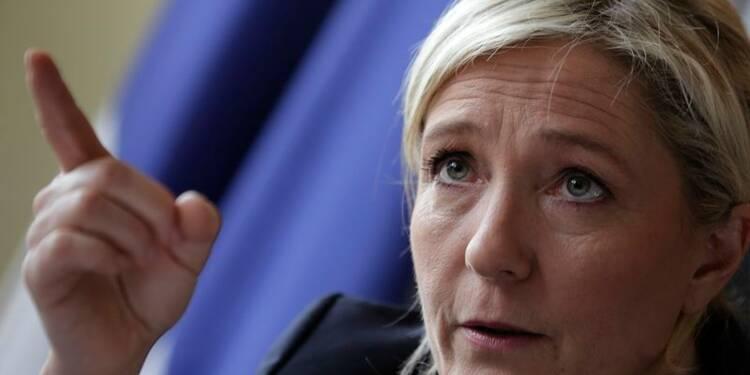 """Marine Le Pen veut arrêter la """"machine folle"""" de l'UE"""