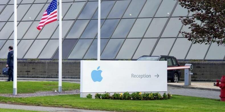 Carl Icahn critique de nouveau Apple mais se renforce au capital