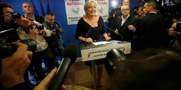 Marine Le Pen appelle Hollande à dissoudre l'Assemblée nationale