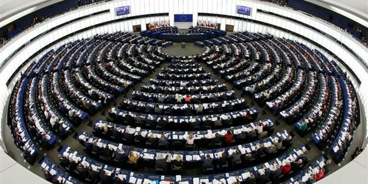 L'UMP talonnée par le FN pour les européennes, selon un sondage