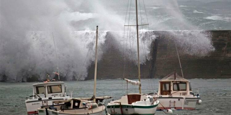 La tempête Dirk menace encore Alpes et Provence