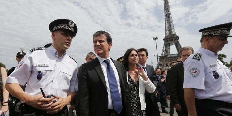 Manuel Valls veut rassurer les touristes étrangers à Paris