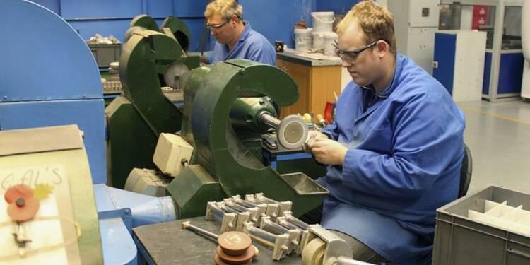 Forte baisse de la production manufacturière britannique