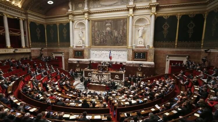 """Nouvelle mise en garde de Valls aux """"frondeurs"""" du PS"""