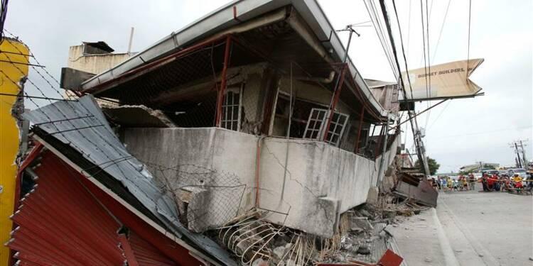 Violent séisme aux Philippines, au moins 67 morts