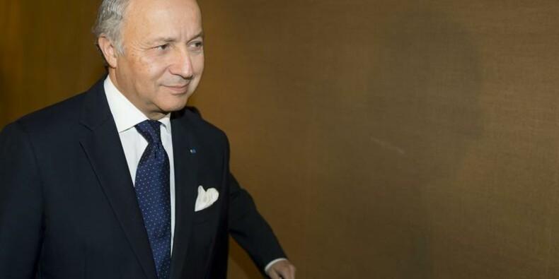 Fabius défend la nouvelle feuille de route de Hollande