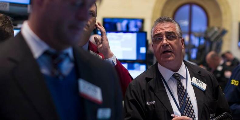 Wall Street finit en rebond avant la Fed, Apple chute