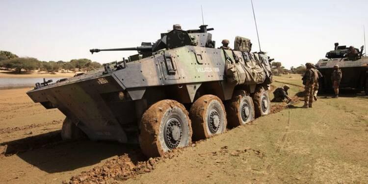 Le Drian fait état d'incidents au Mali, deux soldats blessés