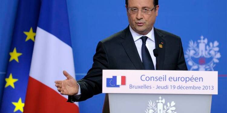 Hollande confirme son objectif d'inverser la courbe du chômage