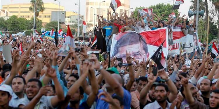 Trente-quatre manifestants pro-Morsi tués par l'armée au Caire