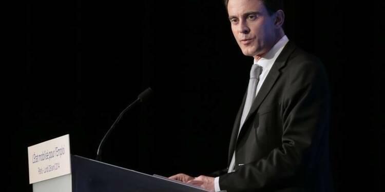 """""""L'heure n'est plus aux postures"""", dit Manuel Valls aux patrons"""