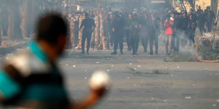 Des heurts entre pro et anti-Morsi font 28 morts en Egypte