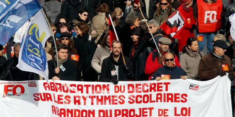 Des enseignants en grève contre les rythmes scolaires