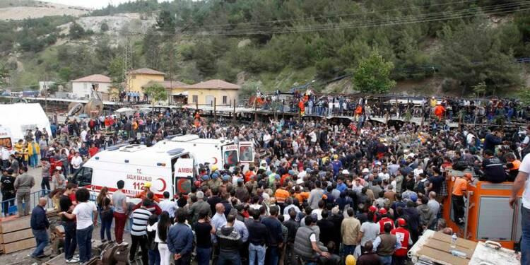 Plus de 200 morts dans une mine turque, 120 disparus