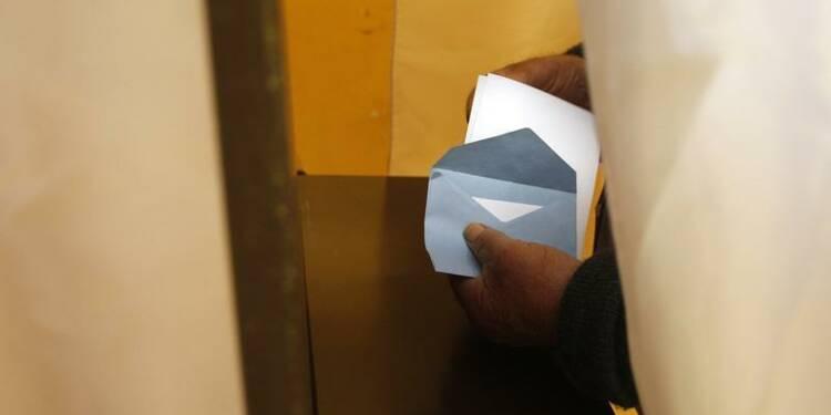 Le FN s'engouffre dans la brèche ouverte par François Fillon