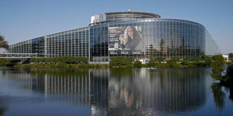 Légère avance du centre-droit avant les élections européennes